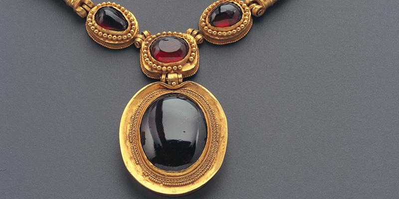 تور موزه جواهرات ایران